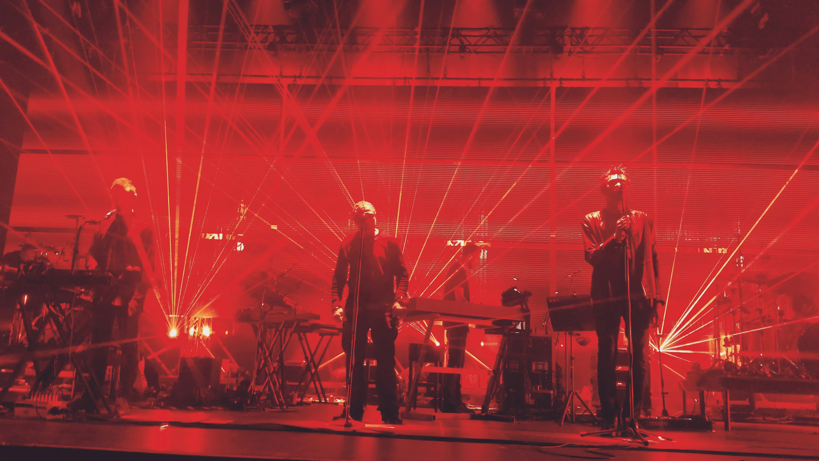 Massive Attack - Zénith de Paris 2016 Concert 1